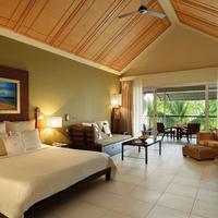 Victoria Beachcomber Guestroom