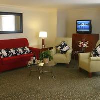 Fullerton Marriott at California State University Guest room