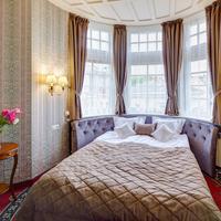 Atlas Deluxe Guestroom