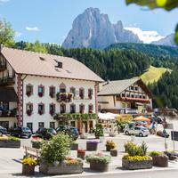 Boutique & Fashion Hotel Maciaconi Boutique & Fashion Hotel Maciaconi - Gardenahotels - Selva di Val Gardena