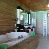 Komandoo Maldives Island Resort Bathroom