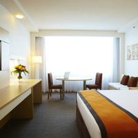 The Ville Resort - Casino Guestroom