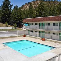 Motel 6 Mammoth Lakes Pool view
