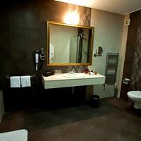 Primoretz Grand Hotel & Spa Bathroom