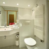 IFA Alpenrose Hotel Kleinwalsertal Bathroom