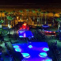 Isla Grand Beach Resort Outdoor Pool