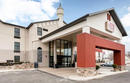 Best Western Plus Grand Castle Inn & Suites Grand Rapids West