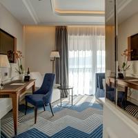 La Roche Hotel Living Area