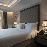 La Roche Hotel Living Room