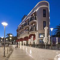 La Roche Hotel Hotel Front - Evening/Night