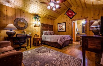 Desert Rose Inn & Cabins