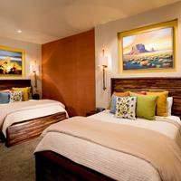Desert Rose Inn & Cabins Guestroom