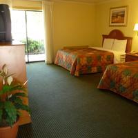 Heritage Inn Express Roseville Guestroom