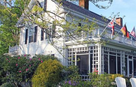 Captain David Kelley House Bed & Breakfast