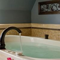 The Kalamazoo House Bed & Breakfast Deep Soaking Bathtub