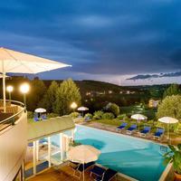 Bio Thermen Hotel Wilfinger Terrasse mit Pool im Bio Thermen Hotel Wilfinger