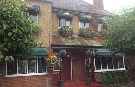 Oak Lodge Hotel