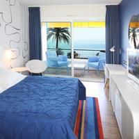 Hotel Victoria Bedroom - Sea View