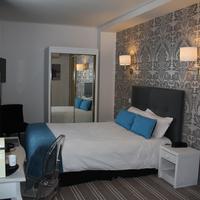 Hôtel le Dauphin Guestroom