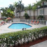 Doral Inn & Suites Miami Airport West Pool