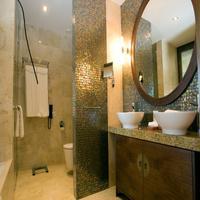 Cascade Wellness & Lifestyle Resort Bathroom