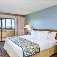 Wyndham Garden Ventura Pierpont Inn Guest Room