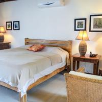 Lodge Margouillat Guestroom