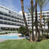 RH Bayren Hotel & SPA Fachada y piscina