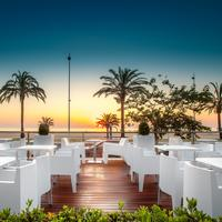 RH Bayren Hotel & SPA Bar y piscina