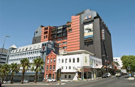 Cape Town Lodge Hotel