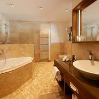 Boutique Hotel Herzhof Bathroom