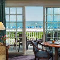 La Mer Beachfront Inn Featured Image