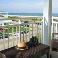 La Mer Beachfront Inn Balcony
