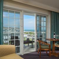 La Mer Beachfront Inn Living Area
