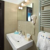 Hotel St. Moritz Bathroom