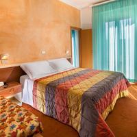 Hotel St. Moritz Guestroom