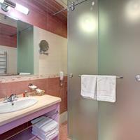 Izmailovo Alpha Hotel Bathroom