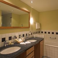 Thermalhotels Leukerbad Bathroom