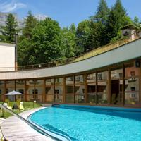 Thermalhotels Leukerbad Indoor Pool