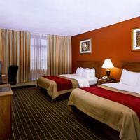 Clarion Inn & Suites Miami Airport Guestroom