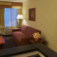 Larkspur Landing Renton - An All-Suite Hotel Living Area