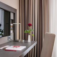 InterCityHotel Ingolstadt In-Room Business Center
