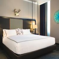 The Kimpton Cardinal Hotel Guest room