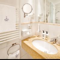 Familienhotel Hinteregger Bathroom