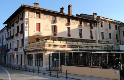 Hotel Dvorec