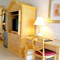 Dolphin Key Resort - Cape Coral Guestroom