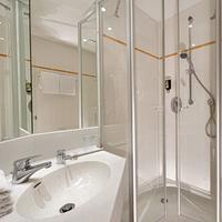 Hotel Schloss Schweinsburg Bathroom