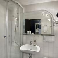 Tryp by Wyndham Bad Bramstedt Bathroom