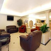 Comfort Inn & Suites Sea-Tac Airport Lobby
