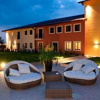 Hotel Parchi Del Garda Interno Corte